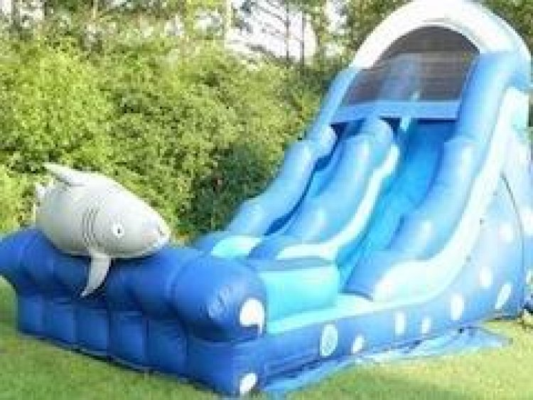 18ft Shark Tooth Water Slide
