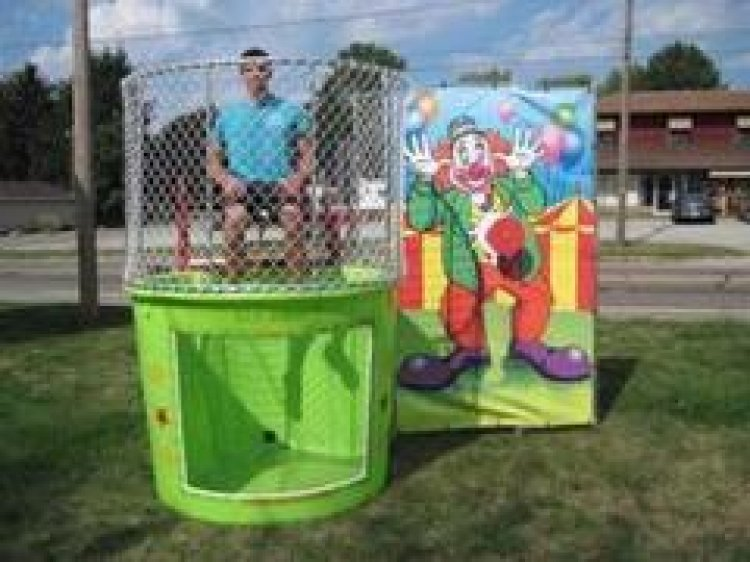 Portable Dunking Booth